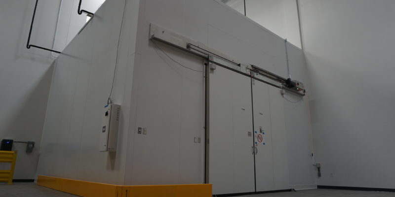 cascade scientific medical walk-in box side view Commercial Cooling Par Engineering Inc. City of Industry