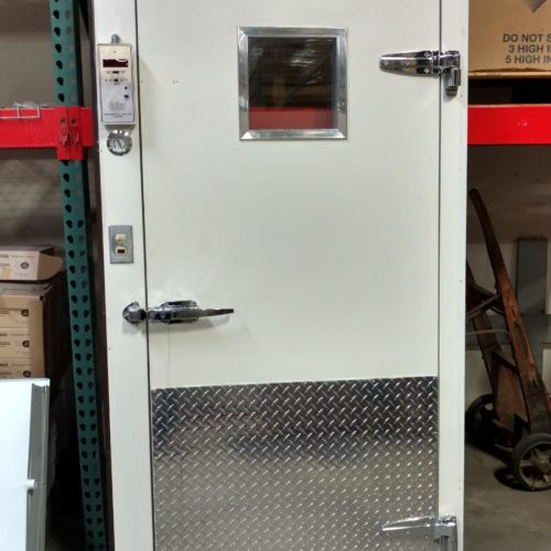 Walk-in Box Door White with Diamond Kickplate Commercial Cooling Par Engineering Inc.